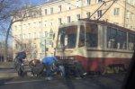 В Петербурге парень попал под трамвай