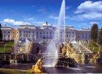 В Петергофе запустили фонтаны и подняли цены на билеты