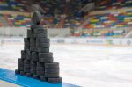 В Петербург привезли шайбы для ЧМ-2016 по хоккею