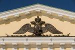 По рекомендации ЮНЕСКО на фронтоне портика Горного университета вновь появился герб Российской империи