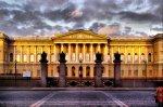 Русский музей за день принял почти 11 тысяч посетителей