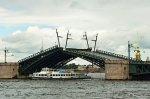Разводка Тучкова моста начнется 15 мая